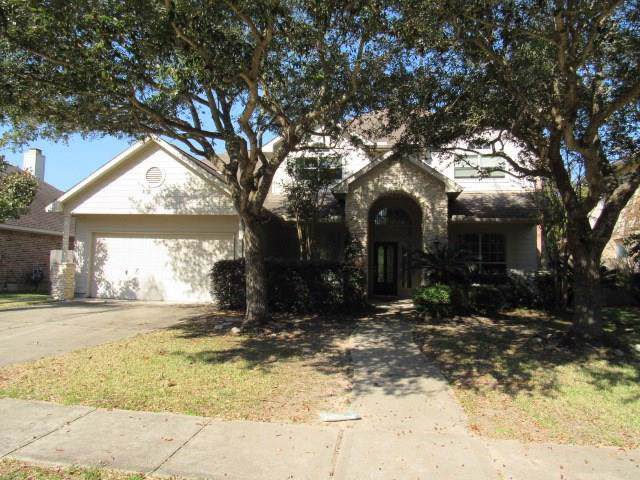913 Mystic Village Lane, Seabrook, TX 77586 (MLS #26749156) :: Texas Home Shop Realty
