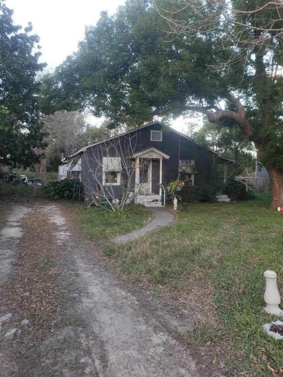7321 Santiago Street, Houston, TX 77023 (MLS #26774071) :: Ellison Real Estate Team