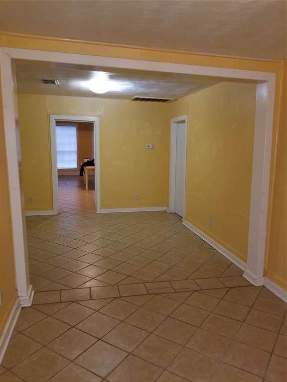 2206 Maryland Street, Baytown, TX 77520 (MLS #26798574) :: Phyllis Foster Real Estate