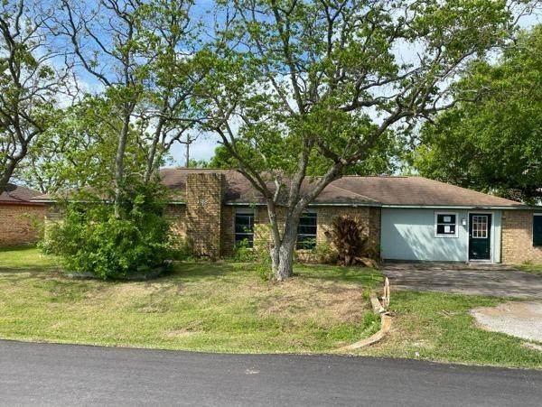 618 Elm Street, Freeport, TX 77541 (MLS #26973442) :: Texas Home Shop Realty