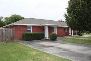 210 Ml King Jr Street, Texas City, TX 77590 (MLS #26990659) :: Bay Area Elite Properties