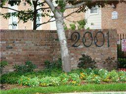 2001 Bering Drive 2F, Houston, TX 77057 (MLS #27011355) :: The Bly Team