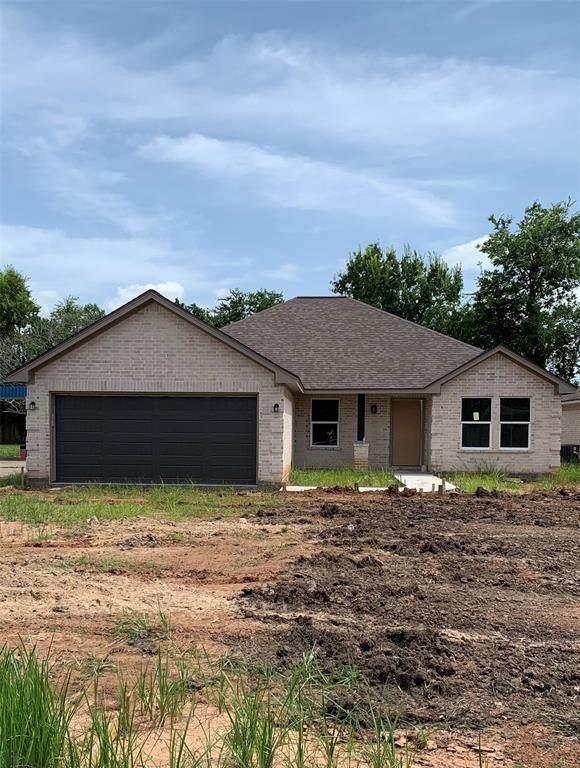 1212 Henderson Road, Angleton, TX 77515 (MLS #27444274) :: The Wendy Sherman Team