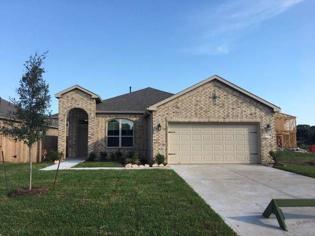 1712 Brushy Cedar Court, Conroe, TX 77301 (MLS #27608708) :: NewHomePrograms.com LLC