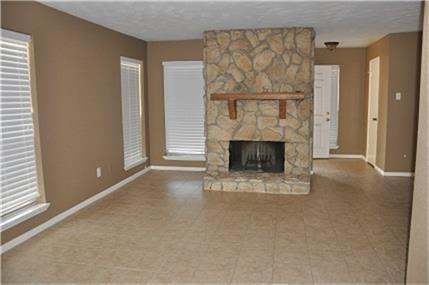 5614 Easthampton Drive D, Houston, TX 77039 (MLS #28011246) :: Fairwater Westmont Real Estate