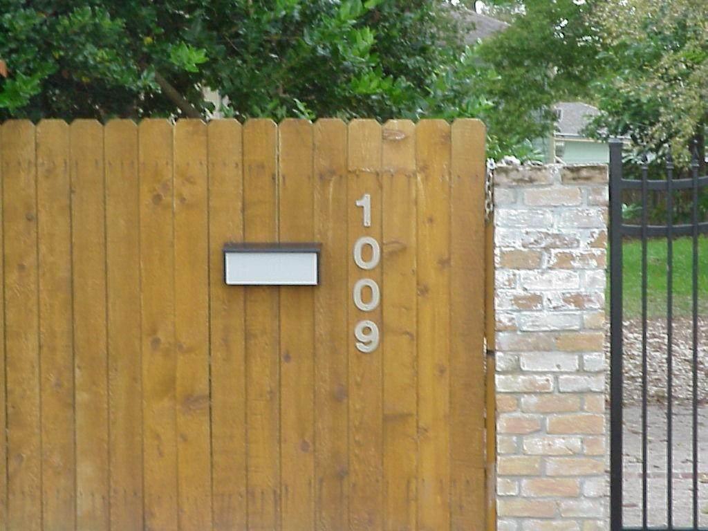 1009 19th Street - Photo 1