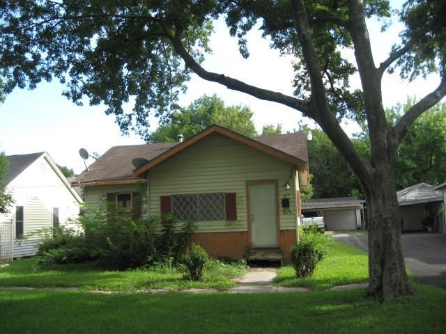 7718 E Magnolia Street, Houston, TX 77012 (MLS #28136668) :: Texas Home Shop Realty