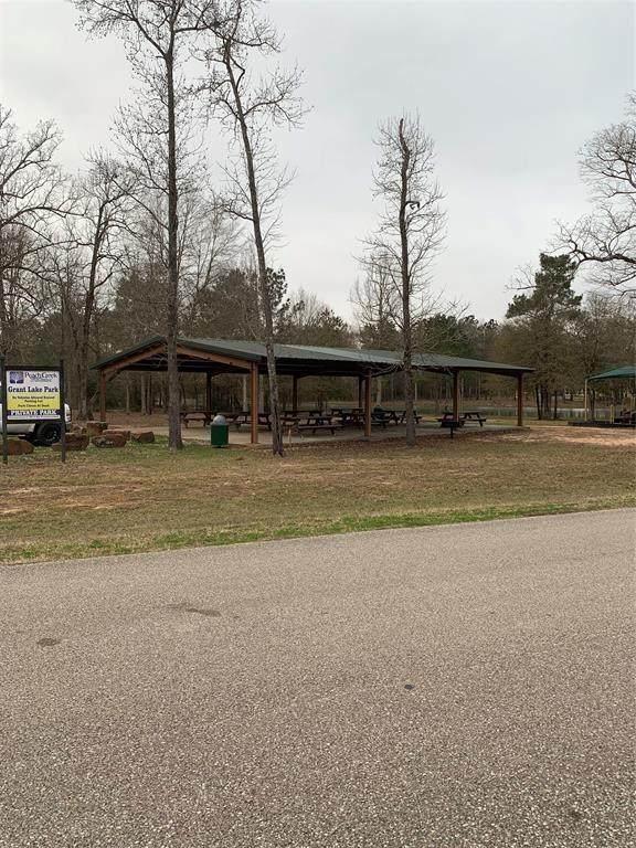 4554 N Duck Creek Road, Cleveland, TX 77328 (MLS #28444520) :: Texas Home Shop Realty