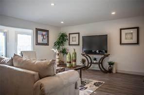 12633 Memorial Drive #171, Houston, TX 77024 (MLS #29102579) :: Lerner Realty Solutions