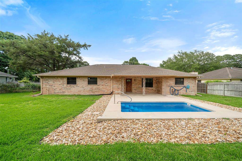 11868 Lakeview Manor Drive - Photo 1