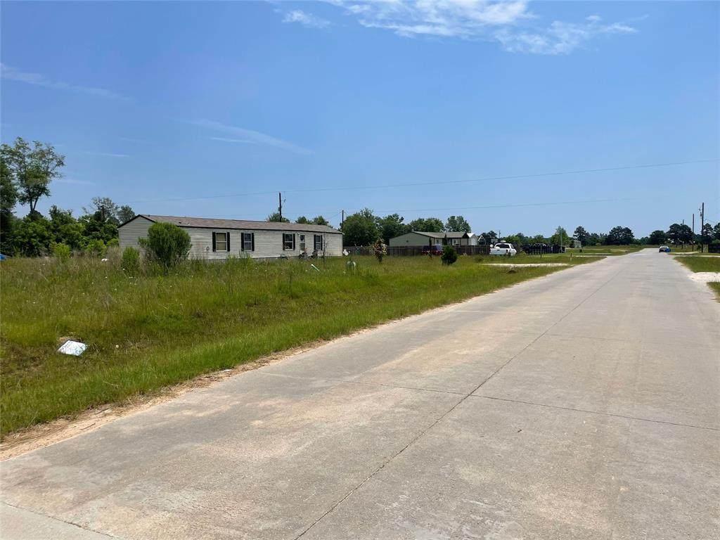 879 County Road 5027 - Photo 1