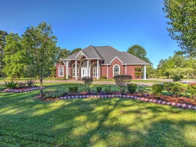 260 Fm 2558, Broaddus, TX 75929 (MLS #29816860) :: The SOLD by George Team