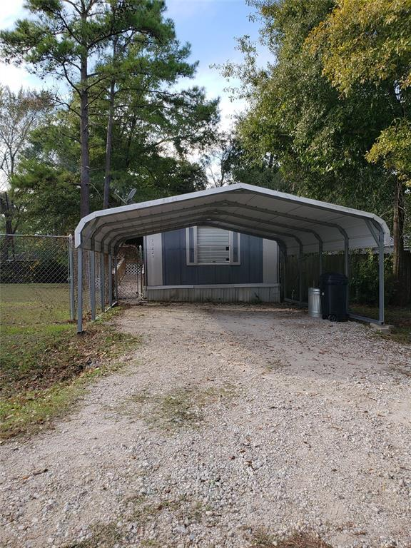 13223 Pecan Tree Drive, Willis, TX 77318 (MLS #29851293) :: Texas Home Shop Realty