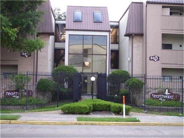 8433 Hearth Drive, Houston, TX 77054 (MLS #30572194) :: The SOLD by George Team