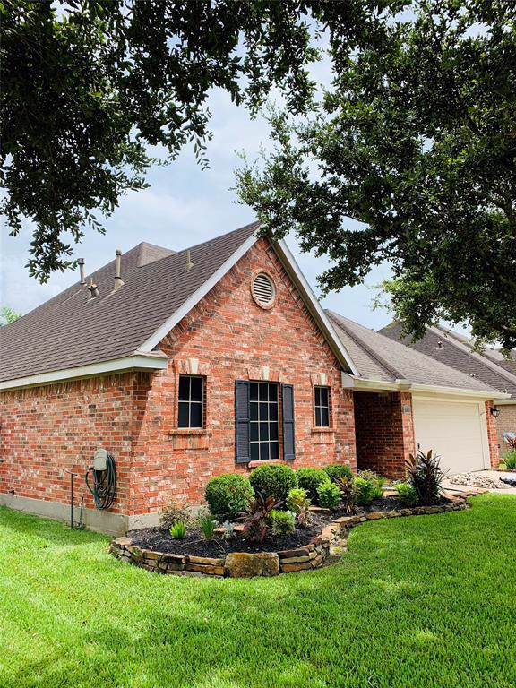1907 Grandoak Drive, Pearland, TX 77581 (MLS #31500862) :: Connect Realty