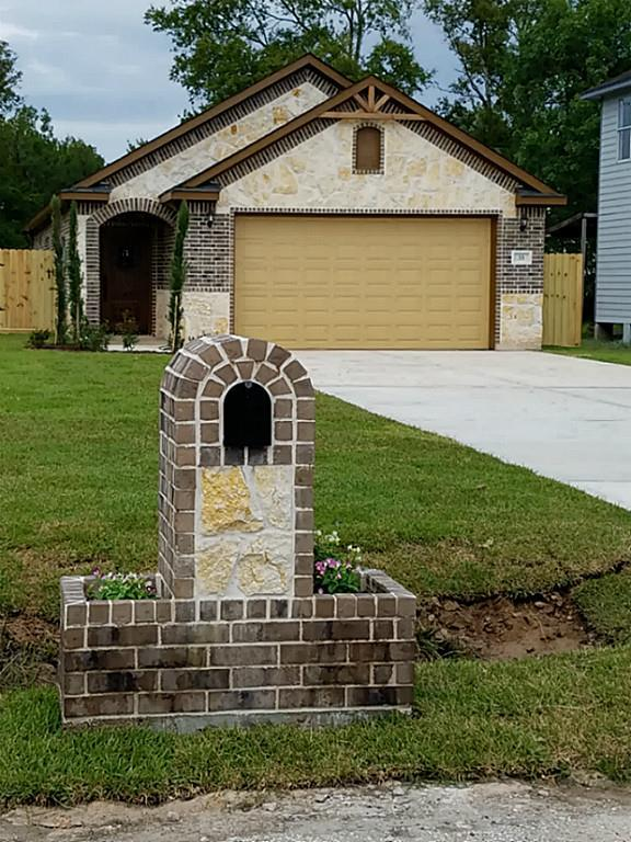 33 Masterson Road, Arcola, TX 77583 (MLS #31548497) :: Giorgi Real Estate Group