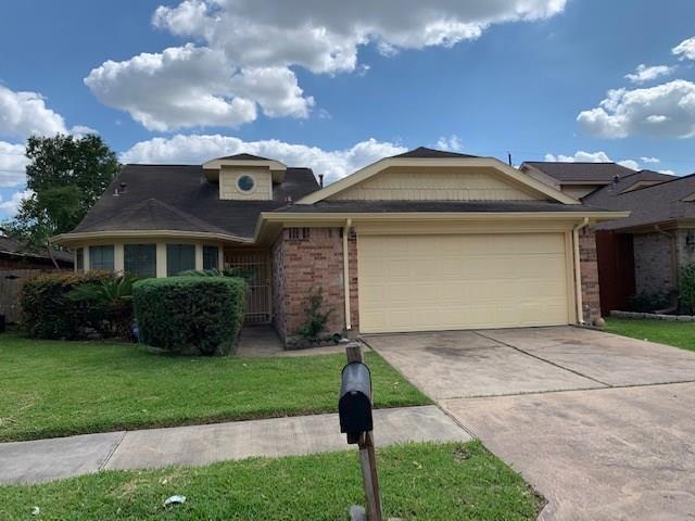 13519 Gaby Virbo Drive, Houston, TX 77083 (MLS #32336159) :: The Heyl Group at Keller Williams