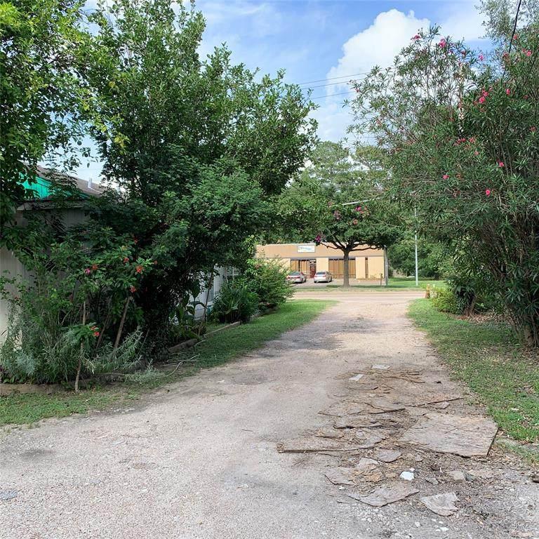 1739 Blalock Road - Photo 1
