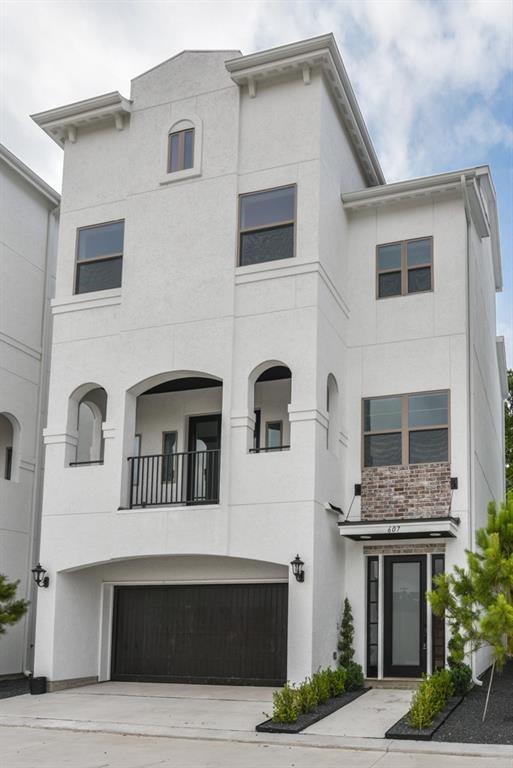 635 Mazal Street, Houston, TX 77009 (MLS #32396711) :: The Heyl Group at Keller Williams
