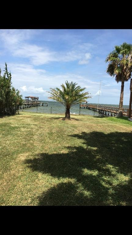 402 Bay Avenue, Kemah, TX 77565 (MLS #32481266) :: Texas Home Shop Realty