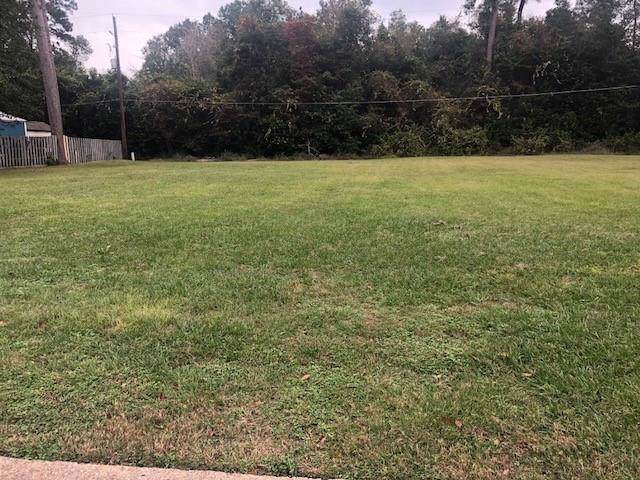 000 Surry Oaks Drive, New Caney, TX 77357 (MLS #32810242) :: Texas Home Shop Realty
