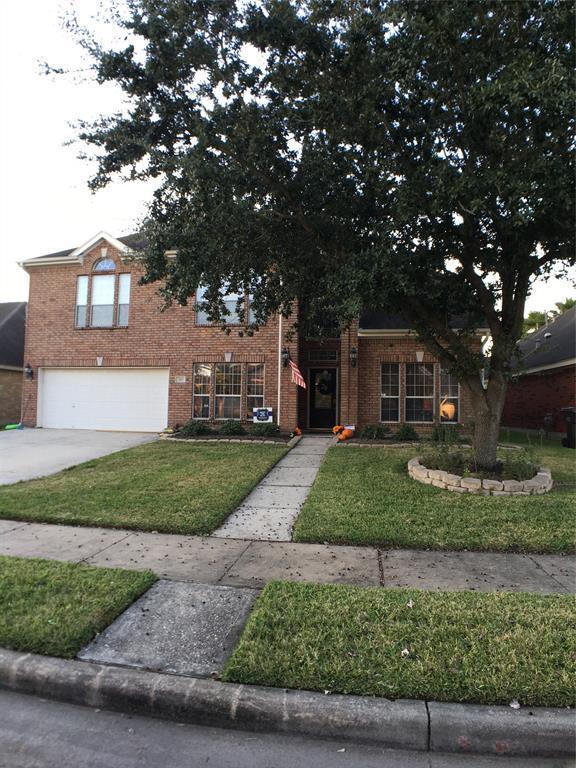 320 Linda Lane, Webster, TX 77598 (MLS #32899377) :: The Queen Team