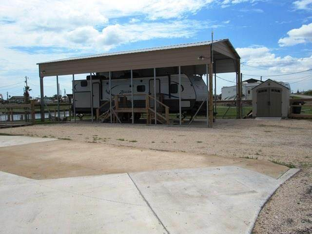 365 County Road 201, Sargent, TX 77414 (MLS #32969138) :: Connell Team with Better Homes and Gardens, Gary Greene