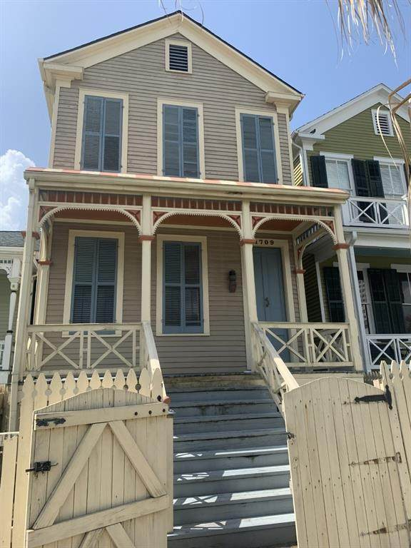 1709 Winnie Street, Galveston, TX 77550 (MLS #33000074) :: Keller Williams Realty