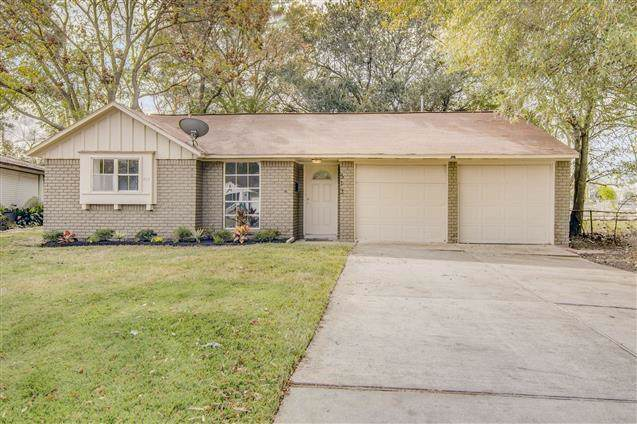 513 Lloyd Lane, Baytown, TX 77521 (MLS #33025723) :: Texas Home Shop Realty