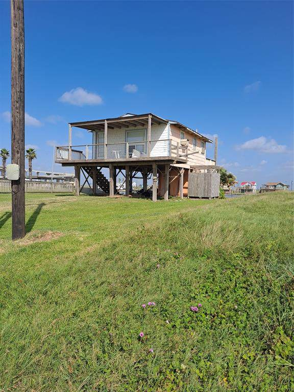 211 County Road 230, Sargent, TX 77414 (MLS #34003857) :: My BCS Home Real Estate Group