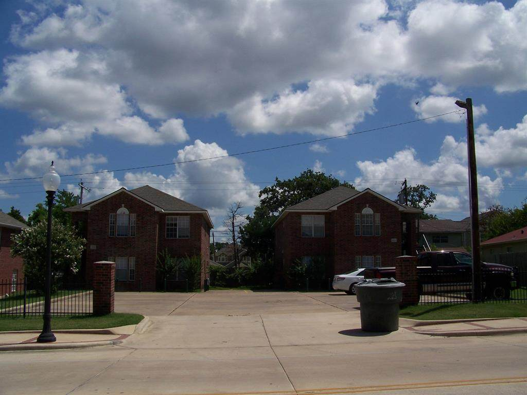 3901, 3903 College Main Street - Photo 1