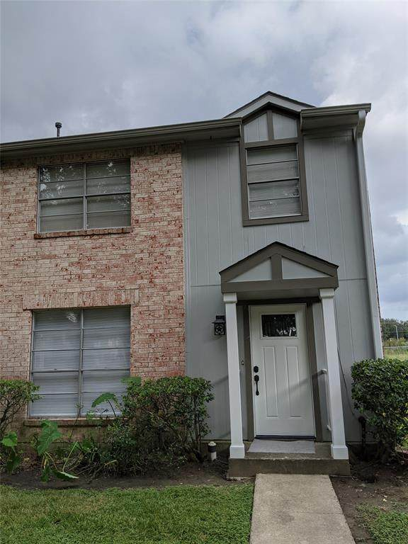 4137 Young Street, Pasadena, TX 77504 (MLS #34046530) :: The SOLD by George Team