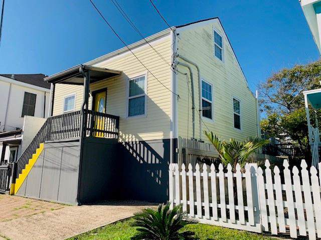 819 9th Street, Galveston, TX 77550 (MLS #34601838) :: NewHomePrograms.com LLC