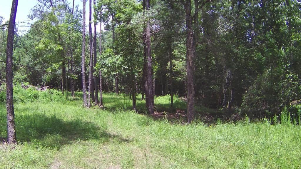 548 Plantation Drive - Photo 1