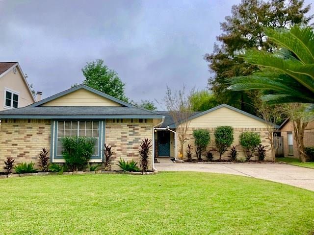 318 Sorrelwood Drive, League City, TX 77573 (MLS #35046595) :: Texas Home Shop Realty
