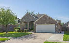 2106 Canyon Lake Dr, Deer Park, TX 77536 (MLS #35112545) :: The Queen Team