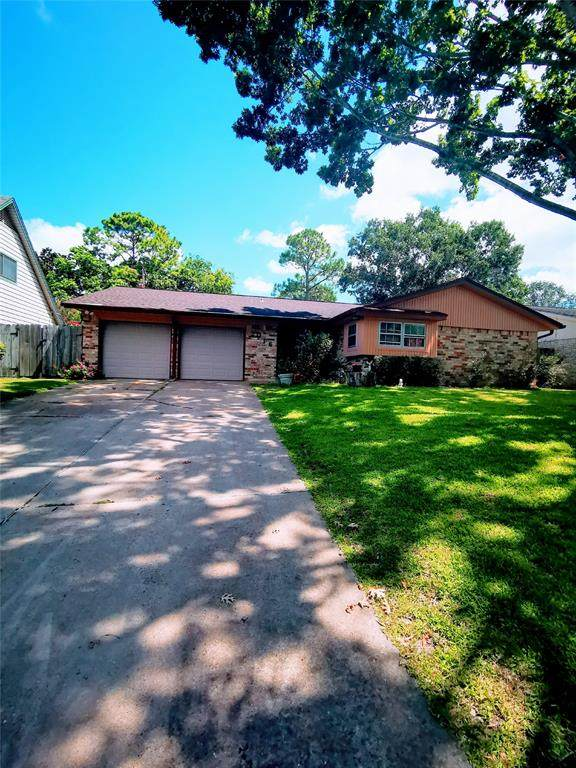 2016 Savanna Court S, League City, TX 77573 (MLS #35279220) :: The SOLD by George Team