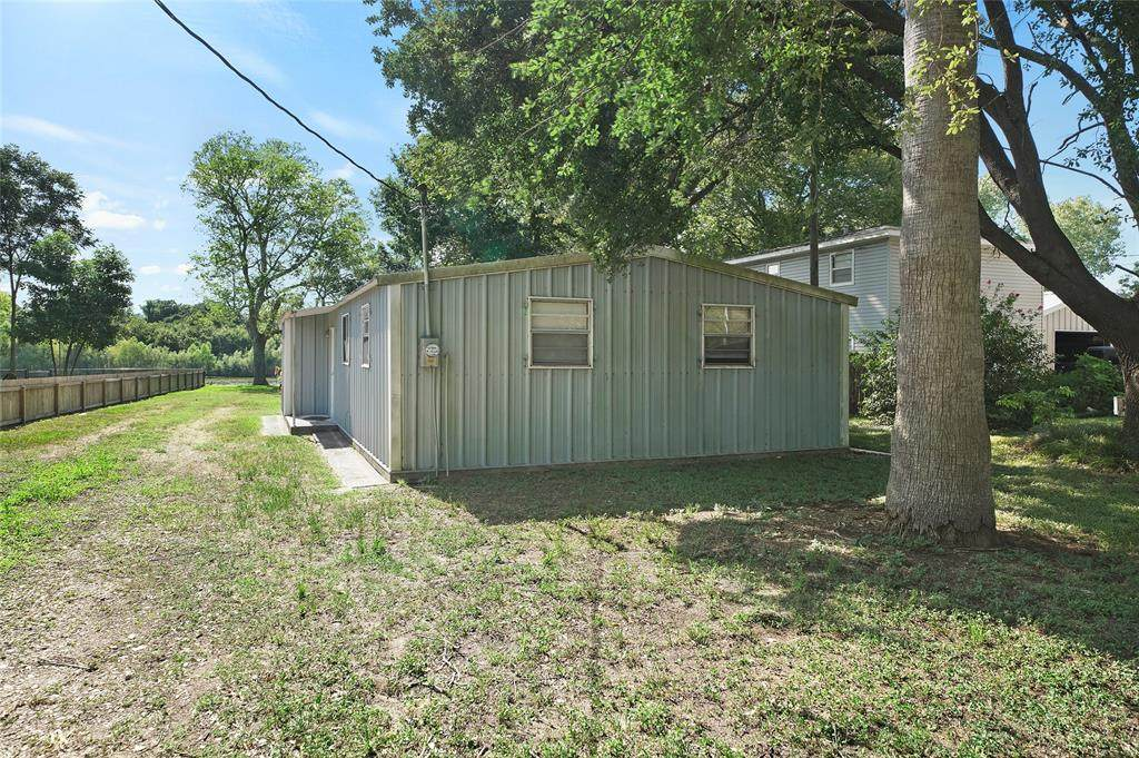 1402 County Road 243 - Photo 1