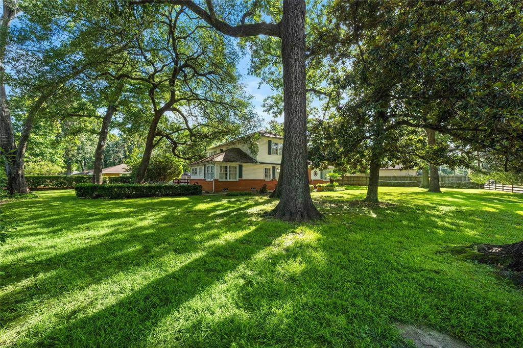 1400 Monarch Oaks Drive - Photo 1