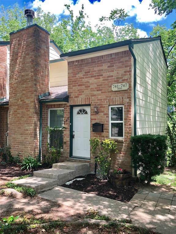 747 Worthshire Street, Houston, TX 77008 (MLS #35951499) :: The Heyl Group at Keller Williams
