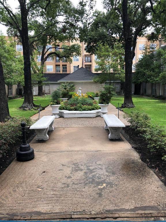 2600 Bellefontaine Street B19, Houston, TX 77025 (MLS #36439270) :: The Bly Team