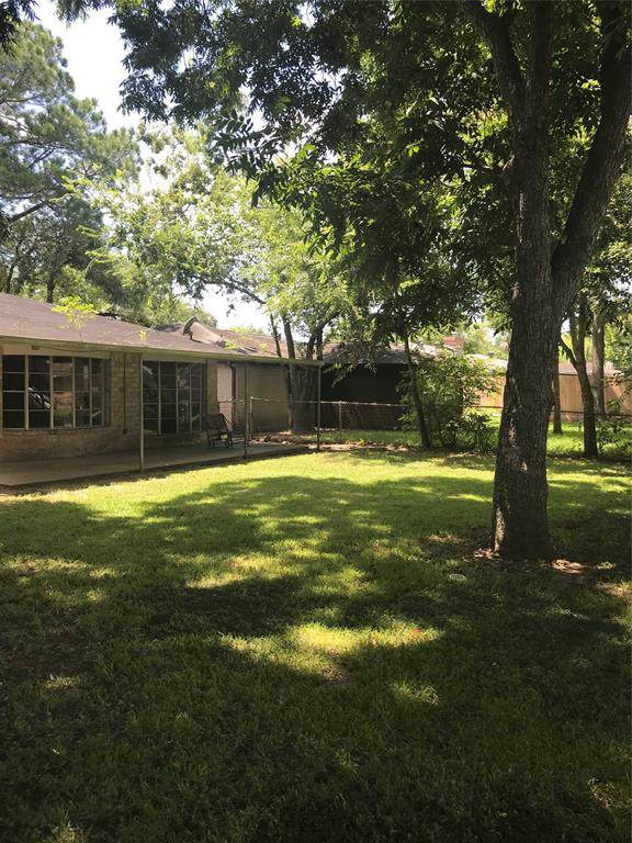 16618 David Glen Drive, Friendswood, TX 77546 (MLS #36754656) :: The Bly Team