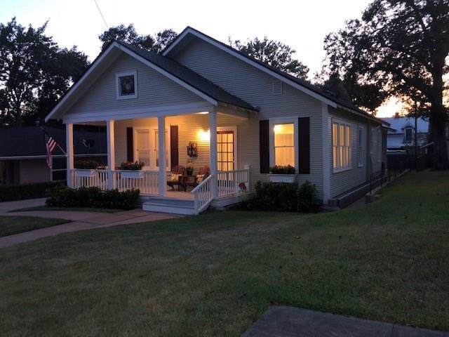 110 S Holland Street, Bellville, TX 77418 (MLS #36795896) :: Giorgi Real Estate Group