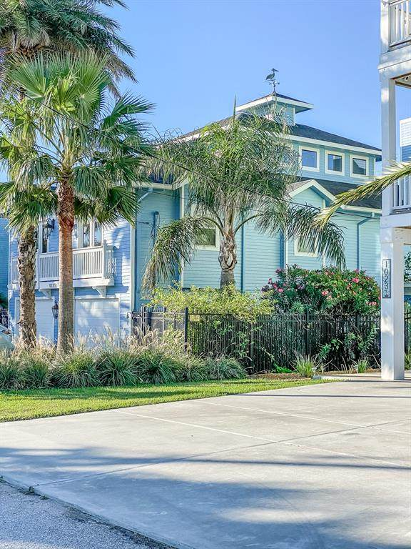 1025 Commodore Drive, Galveston, TX 77554 (MLS #37110912) :: Ellison Real Estate Team