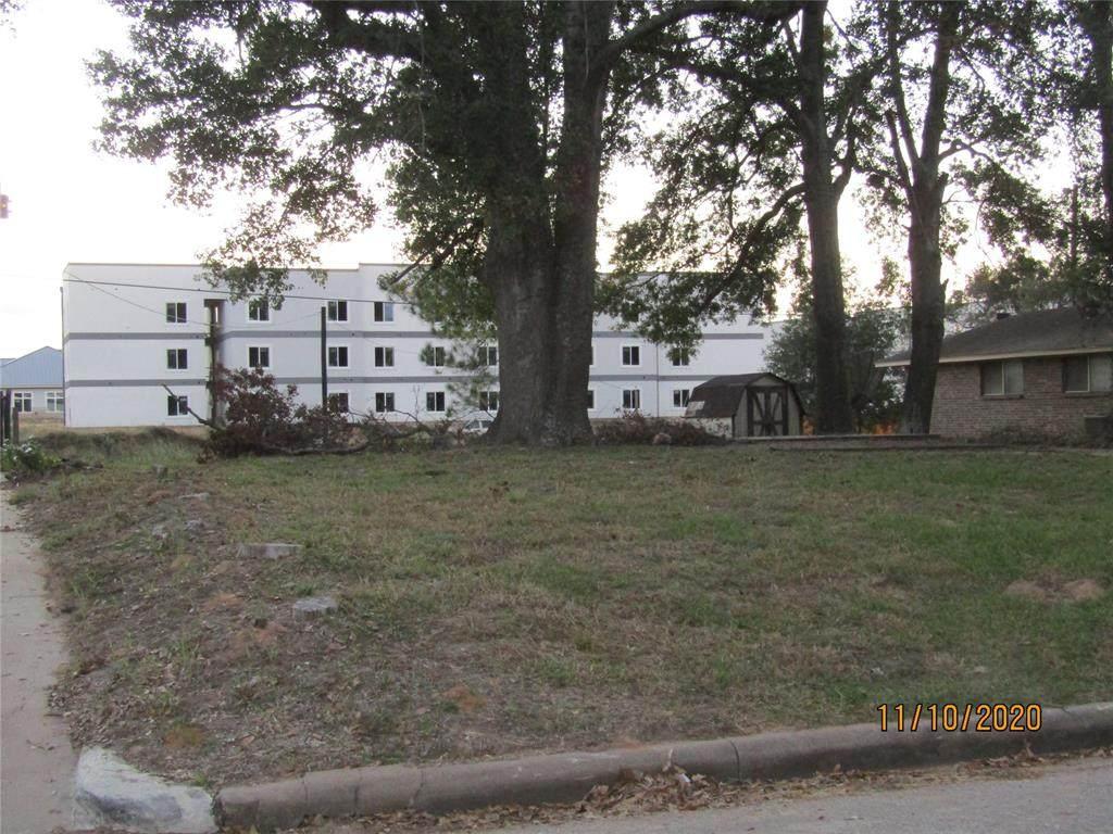 313 Pine Street - Photo 1