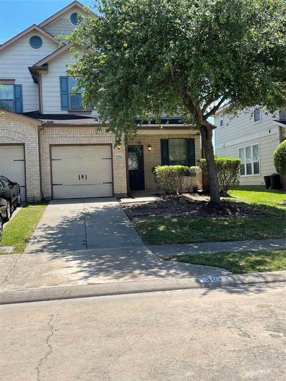 13023 Lawsons Creek Lane, Houston, TX 77072 (MLS #37634780) :: TEXdot Realtors, Inc.