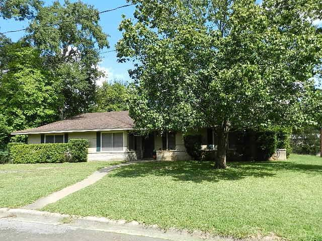 618 W Milam St, Livingston, TX 77351 (MLS #37652588) :: Magnolia Realty