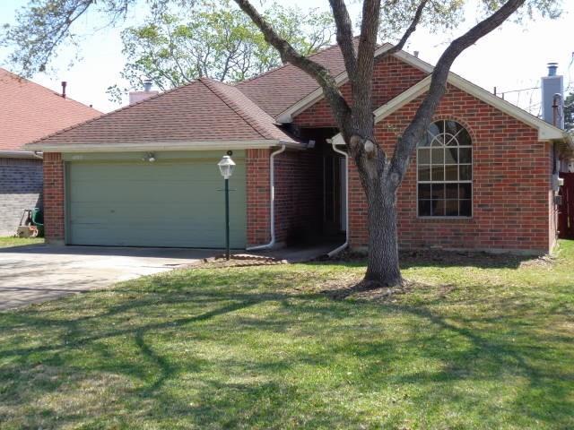 4723 Hawthorne Street, Seabrook, TX 77586 (MLS #37766665) :: The SOLD by George Team