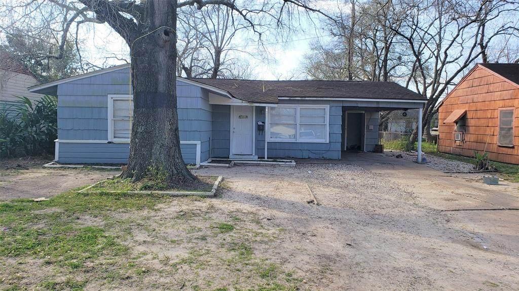 5406 Willow Glen Drive - Photo 1