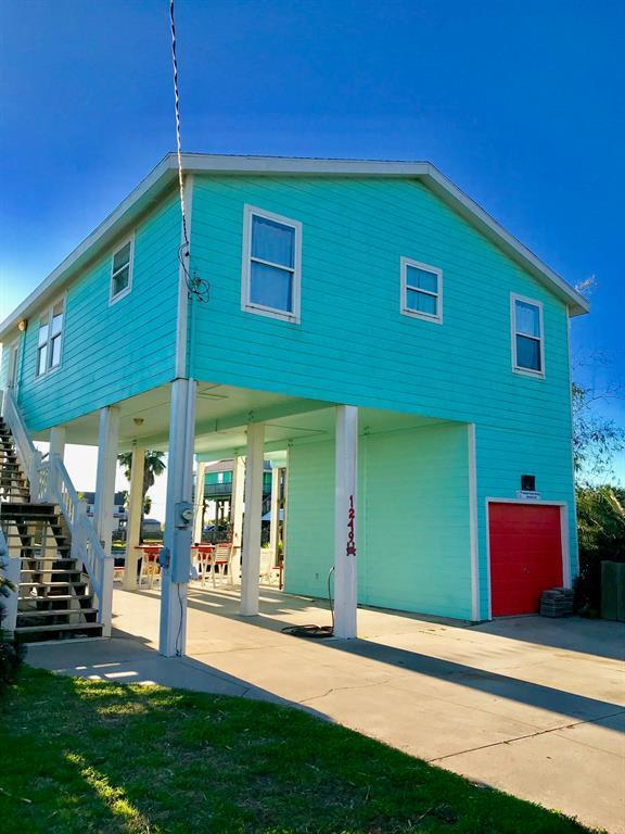 1249 Island Boulevard, Crystal Beach, TX 77650 (MLS #38124685) :: Giorgi Real Estate Group